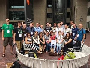 Wikimedianie regionu CEE podczas Wikimanii w Londynie w 2014 r.  (Autor: Marc Ordinas i Llopis, licencja CC-BY-SA 3.0)