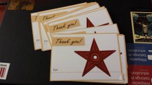 Pocztówki z podziękowaniami rozdawane uczestnikom