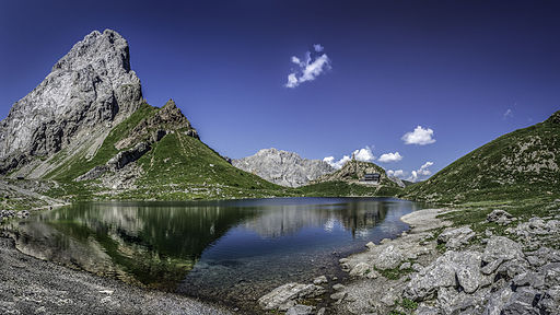 Miejsce siódme: Jezioro Wolayer i jego otoczenie, Karyntia w Austrii. Fotografia autorstwa użytkownika GeKo15, dostępna na licencji CC-by-SA 3.0