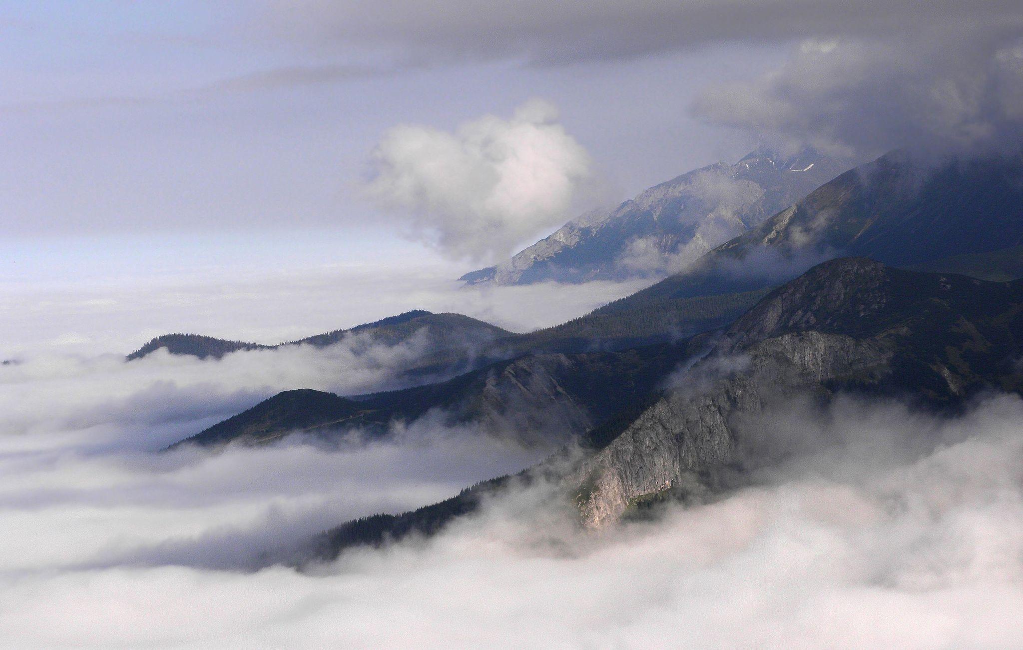 Tatry, widok z Przełęczy Kondrackiej autor: SuperGlob